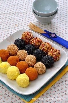 [오색경단, 경단, 오색경단 만드는법] 알록달록~ 예뻐 선물로도 좋은 손으로 직접빚은 오색경단을 집에서 ... Korean Rice Cake, Korean Dessert, Rice Cakes, Cute Food, Korean Food, Coffee Drinks, How To Lose Weight Fast, Deserts, Food And Drink