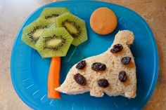every kid's lunch should look like this. if it did, there wouldn't be a single chubby kid in America!