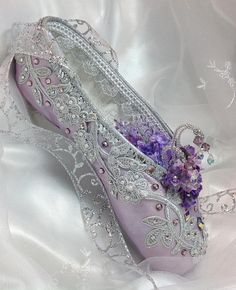 Lilac Fairy themed decorated pointe shoe. Sleeping Beauty.