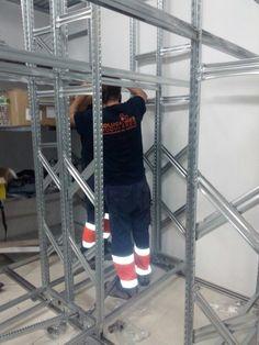 Instaladores de estanterias metalicas en Canarias Tenerife, Ladder, Commercial Shelving, Filing Cabinets, Spaces, Stairway, Teneriffe, Ladders, Stairs