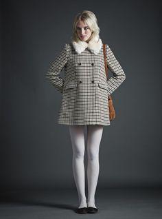 jack wills white tights dogtooth coat ballet flats fur collar satchel style winter fashion 1960s Fashion, Look Fashion, Winter Fashion, Girl Fashion, Vintage Fashion, Fashion Outfits, Ski Fashion, Dress Fashion, Sporty Fashion