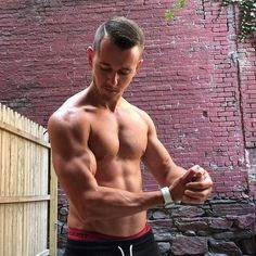 Dan Welden is a NASM Certified Personal Trainer located in New York City. Hells Kitchen, Nyc, Certified Personal Trainer, New York City, Arms, Muscle, Workout, Fitness, Swimwear
