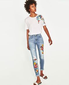 ZARA - TRF - T-SHIRT WITH EMBROIDERED SHOULDER