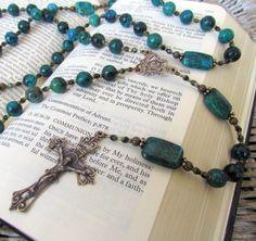 Biblia y rosario dos de las 5 piedritas para vencer al enemigo y lograr el Reino de Dios!!!