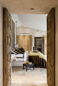 Bedroom ~ LOVE the doors!