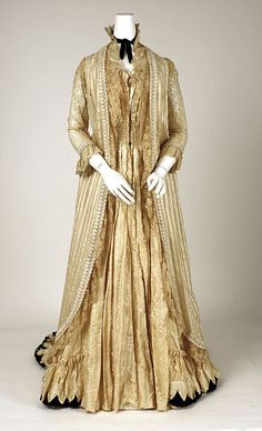 dressing gown 1890 | Tea gown, c1880s-1890s