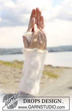 """DROPS wrist warmers in moss st in """"Symphony"""" with crochet border in """"Kid Silk""""."""