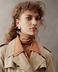 Elle Australia March 2018 Gigi Ringel by Georges Antoni Curly Hair With Bangs, Short Curly Hair, Hairstyles With Bangs, Curly Hair Styles, Mullet Haircut, Mullet Hairstyle, Harpers Bazaar, Hair Inspo, Hair Inspiration