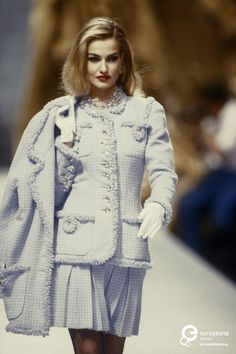 Karen Mulder for CHANEL, Autumn-Winter 1991, Couture
