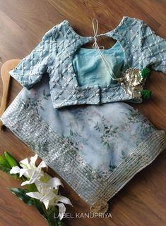 Saree Blouse Neck Designs, Saree Blouse Patterns, Designer Blouse Patterns, Fancy Blouse Designs, Bridal Blouse Designs, Blouse Neck Models, Skirt Patterns, Coat Patterns, Clothes Patterns
