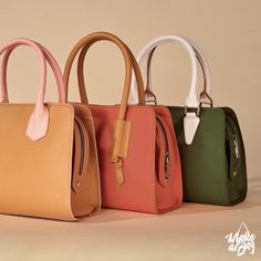 Change your handle - not only colours! Unique Handbags, Popular Handbags, 2017 Design, Tool Design, You Bag, First World, Bag Making, Satchel, Product Launch