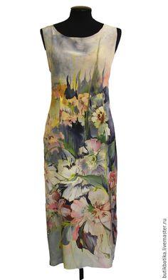Купить или заказать Шелковое платье батик Прохлада (2015) в интернет-магазине на Ярмарке Мастеров. Платье из натурального шелка ручной росписи батик. Прекрасное, легкое летнее платье станет украшением летнего гардероба. Платье шьется 'по косой' поэму прекрасно садится на фигуру, скрывая недостатки и подчеркивая достоинства Любые размеры на заказ 40-52 Длина -…