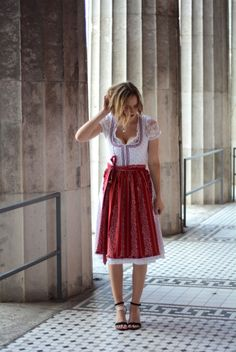 Brushmeetspaper Outfit Style Dirndl Ludwig & Therese Blogger München Wiesn Oktoberfest