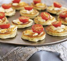Rosemary & olive drop scones with goat's cheese. Or use blinis w/ flavoured goat cheese. Sesame Crusted Tuna, Wedding Canapes, Drop Scones, Savory Scones, Cheese Scones, Cheese Pancakes, Beef Pies, Sweet Chilli Sauce, Bbc Good Food Recipes