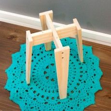 Wooden Pallet Furniture, Furniture Legs, Wood Pallets, Small Wood Projects, Diy Projects, Wood Crafts, Diy And Crafts, Wood Plant Stand, Wooden Stools