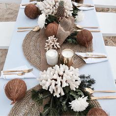 WEBSTA @ cocolux_australia - Tropical Vibes - Table details at the bare foot beach Christmas party 🌴 - in love with this island inspired table styling that includes our Cocolux Smoked ONYX and Brass coconut wax candles 💛 Coconut Decoration, Decoration Evenementielle, Beach Table Settings, Table Arrangements, Event Decor, Wedding Table, Wedding Beach, Hotel Wedding, Beach Party