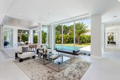Modern Residence by IBI Designs This modern single family house located in Delray Beach, Florida, was designed in 2016 by IBI Designs.