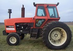 and your farm would NOT be complete without an Allis Chalmers tractor :)