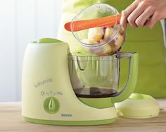 This high-end baby food maker is an amazing all-in-one appliance! Beaba Babycook Baby Food Maker #westelm