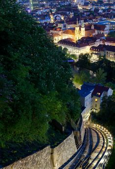 The Schlossbergbahn, or Schloßbergbahn (English: Castle Hill Railway), is a funicular railway in the Austrian city of Graz. Pula Croatia, Avignon France, Wonderful Places, Beautiful Places, Budapest, Graz Austria, World Heritage Sites, Beautiful World, Places To See