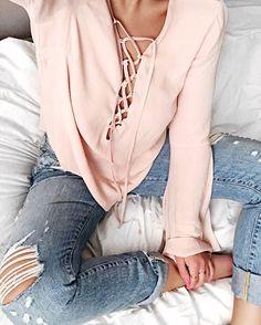 blush and denim / Instagram: stilettobeatss