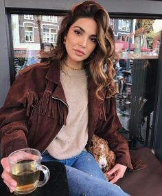 From Sweater Outfits to Chunky Knit dresses to Jackets and Tees to Neutral wears these Cozy Fall Outfit Ideas are the best Fall Fashion Trends for women. Cozy Fall Outfits, Casual Outfits, Fashion Outfits, Fashion Fashion, Summer Outfits, Summer Dresses, Winter Looks, Fall Looks, College Looks