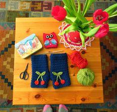 Easy Crochet Wrist Warmer Tutorial
