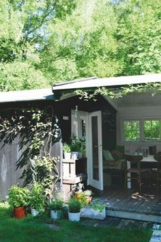 Pergola With Metal Roof Outdoor Spaces, Outdoor Living, Outdoor Decor, Small Buildings, Shed Design, Cozy Cottage, Little Houses, Garden Furniture, Cottages