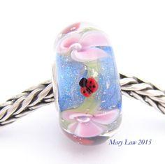 Ladybug Butterfly Garden Dichroic Bead by Glaslight by glasslight