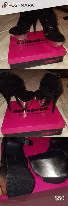 Dollhouse platform hills Black suade metallic silver front  worn once for a photo shoot Dollhouse Shoes Platforms