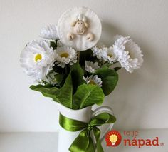 Why don't you make together something fun this year and decorate your home for Easter? We will give you great Easter craft ideas, tips plus free templates Cute Sheep, Blogger Themes, Easter Crafts, Decorating Your Home, Floral Wreath, Vase, Templates, How To Make, Craft Ideas