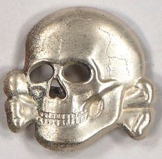 SS Visor Cap Totenkopf (Schirmmütze SS pattern, stamped alloy construction skull with a silver wash. Ww2 Uniforms, German Uniforms, Criminal Tattoo, Ww2 Pictures, Charitable Donations, Alternate History, Memento Mori, Cthulhu, Photo Postcards