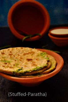 Green Peas Stuffed Paratha http://www.foodiehalt.com/green-peas-stuffed-paratha/?utm_campaign=coschedule&utm_source=pinterest&utm_medium=foodiehalt&utm_content=Green%20Peas%20Stuffed%20Paratha#yummy #parantha