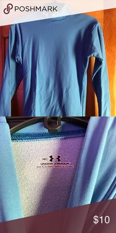 Under Armour heat turtleneck Stay warm with this heat gear from Under Armour Gently used, like new  Perfect to wear as a thin layer under clothes for winter activities Under Armour Tops