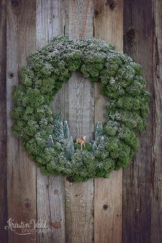 I dag skal jeg vise deg et lite håndverk, men det er dørklokken min …, # Men … Natural Christmas, Green Christmas, Christmas Colors, Winter Christmas, Christmas Time, Christmas Crafts, Woodland Christmas, Office Christmas Decorations, Holiday Decor