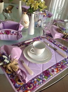 No directions - just need to find standard place mat and napkin dimensions.  Basket looks like it's made out of large circles.