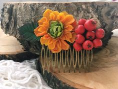 Valentine Day gift hair Floral hair comb Fall wedding hair comb Boho hair comb bridal hairpiece Flower hair pin Boho bridal comb for autumn wedding Do you want to feel the warm from floral hair comb that made by hands? Handmade boho hair comb never compare to the factory thing.