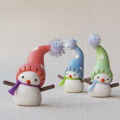 Wee Snowmen by HUMBLEBEA | Polymer Clay Planet