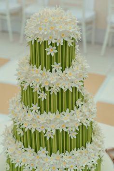 Daisy and bamboo wedding cake Beautiful Wedding Cakes, Gorgeous Cakes, Pretty Cakes, Cute Cakes, Amazing Cakes, Cake Wedding, Fondant Cakes, Cupcake Cakes, Rodjendanske Torte