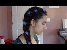 Esse penteado é fácil de fazer em si própria, ele é rápido, simples, e muito charmoso! Por favor continuem a mandar fotos e/ou pedidos de penteados, tenho o maior prazer em ajudá-las! Por favor subscreva ao nosso canal para obter mais tutoriais.