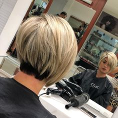 Hair Beauty - Side-Parted-Short-Bob-Haircut Best Short Bob Haircuts for Women Short Hair With Layers, Layered Hair, Short Hair Cuts, Stacked Hair, Medium Hair Styles, Short Hair Styles, Short Bob Haircuts, Edgy Haircuts, Great Hair