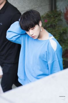 Image shared by Find images and videos about boy, kpop and korean on We Heart It - the app to get lost in what you love. Yg Entertainment, Bobby, Yg Artist, Kim Jinhwan, Hip Hop, Korean Bands, Asian Hair, Airport Style, Airport Fashion