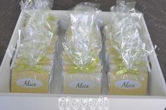 Chocolates para Alice  : flavoli.net - Papelaria Personalizada :: Contato: (21) 98-836-0113  vendas@flavoli.net