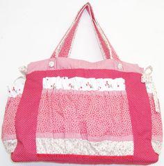 BOLSA MATERNIDADE DE PATCHWORK ENCOMENDA: monicacordeiro.m@gmail.com exclusivaartemonicacordeiro.blogspot.com