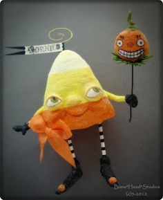 "Halloween "" Cornies ""  - folk art , spun cotton"