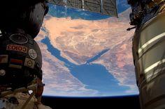 Twitter I  Tim Peake @astro_timpeake Apr 17  Sinai squeezed between #Soyuz and #Cygnus https://flic.kr/p/FVy2VE