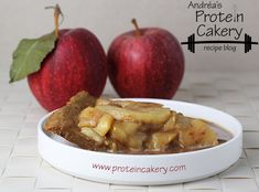 Caramel Apple Protein Pie - Andréa's Protein Cakery Prot: 24 g, Carbs: 23 g, Fat: 9 g, Cal: 267