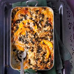 Kürbis-Lasagne mit Knusperkruste | BRIGITTE.de