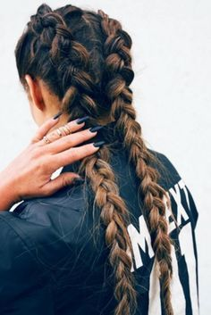 5 Hairstyles That Look Way Better on Dirty Hair - Convenile Sleep Hairstyles, Winter Hairstyles, Braided Hairstyles, Cool Hairstyles, Hairstyle Ideas, Hair Lights, Boxer Braids, Balayage Color, Braid In Hair Extensions
