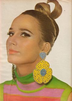 Vogue March 1967 ~ Fashion by Goldworm Knitwear Company, Photo by Bert Stern 1967 Fashion, 60s And 70s Fashion, Mod Fashion, Vintage Fashion, Fashion Mag, Fashion Models, Lauren Hutton, Patti Hansen, Jacqueline Bisset